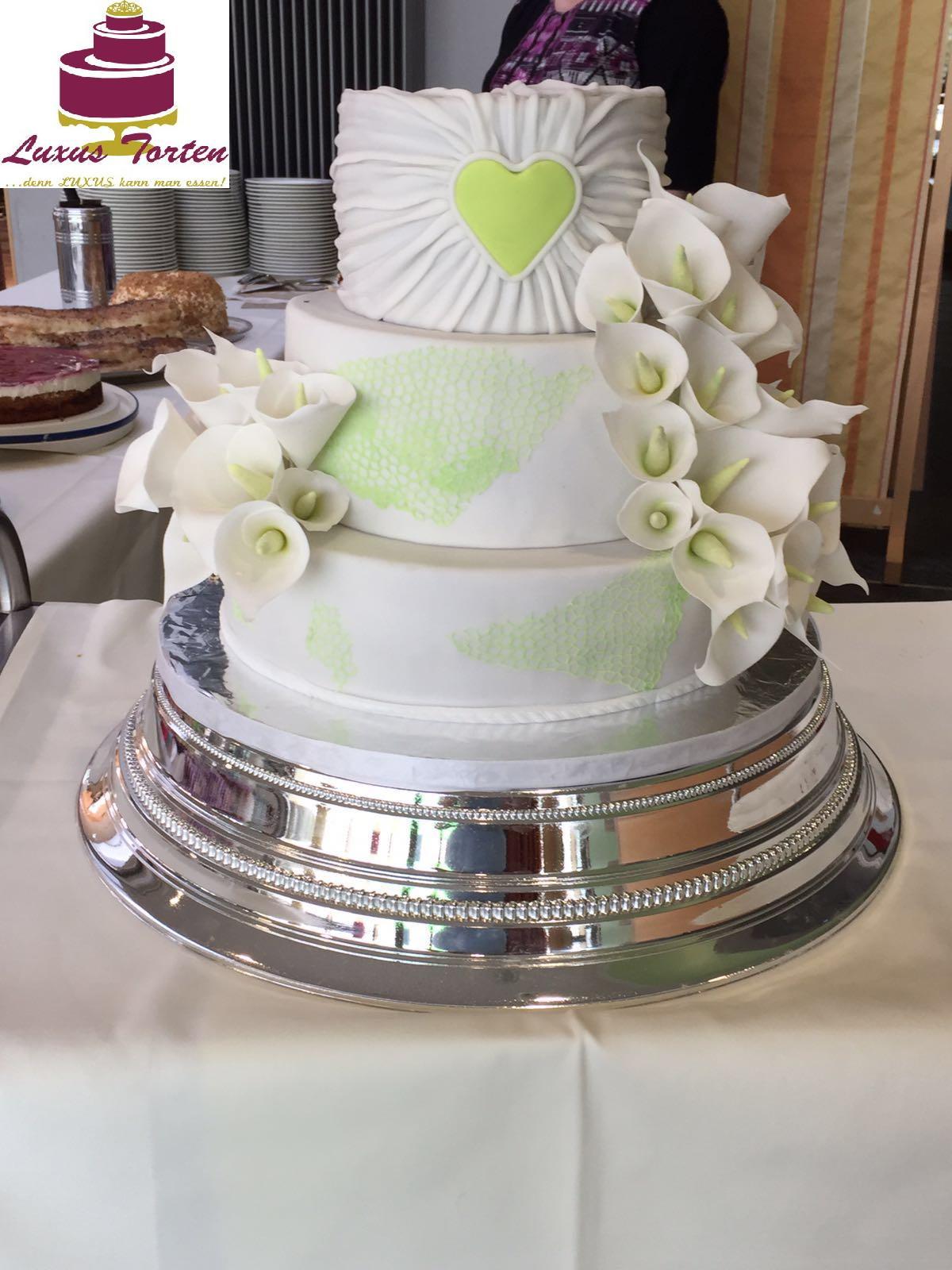 Hochzeitstorte mit Callas grün - LUXUS-Torten